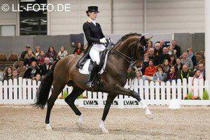 Ein elegantes Paar: Bea und Den Haag Fotograf: LL-Foto