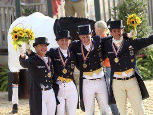 Isabell, Anabel, Matthias Alexander und Christoph strahlen über Bronze Fotograf: Julia Rau